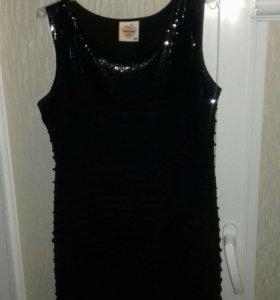 Чёрное платье с жакетом