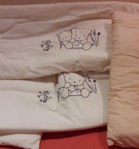 Бортики на кроватку и подушка б/у