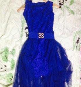 Праздничное платье , новое покупали за 1500