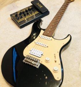 Гитарный процессор и электрогитара с чехлом fender
