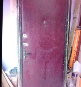 Дверь БУ металлическая