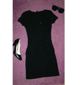Платье облегающее s