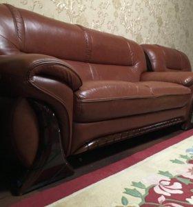 Кожаный диван кресло