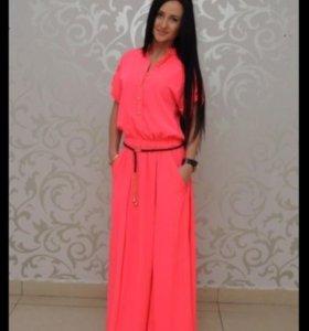 Платье в пол, размер М