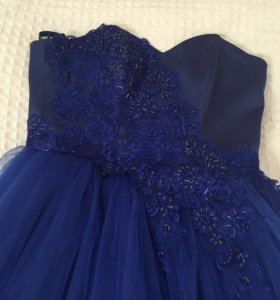 Платье вечернее. Размер 42. В идеальном состоянии