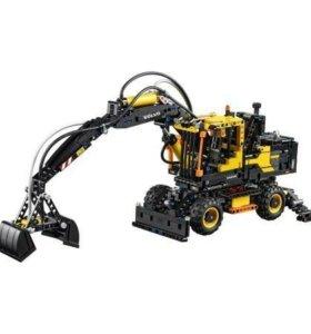 Конструктор LEGO TECHNIC 42053 volvo