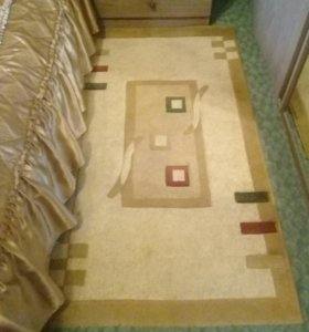 Ковер на пол и два прикроватные коврики