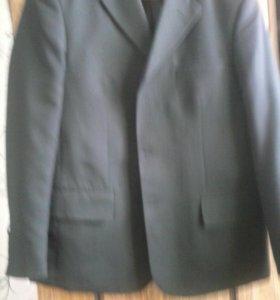 продам мужской костюм новый