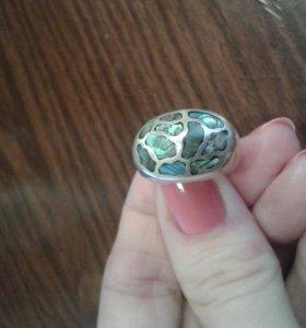 Кольцо серебряное с перламутром