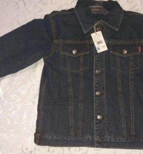 Утепленная джинсовая куртка.