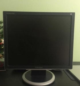 ЖК-монитор Samsung 930BF
