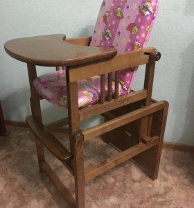 Стул и стол для кормления