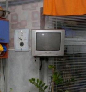 Продам маленький телевизор