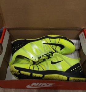 Кроссовки для фитнеса Nike