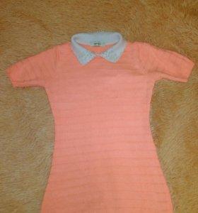 Платье персикого цвета