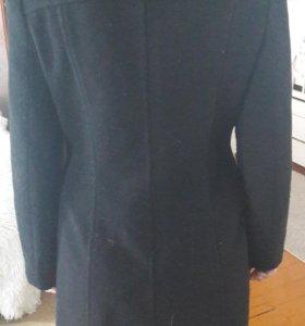 Пальто шерстянное женское