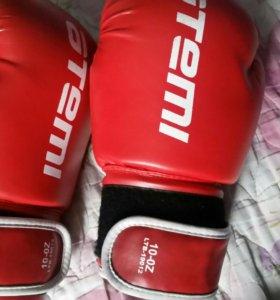 Бокс перчатка