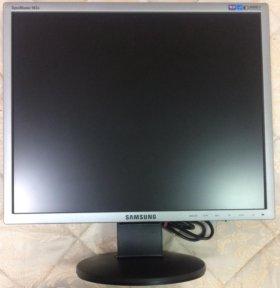 Монитор Samsung 943N
