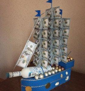 Букеты и композиции из конфет- корабль
