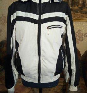 Зимняя спортивная куртка 48-50.