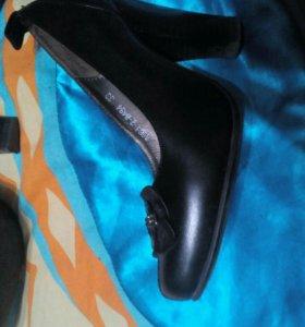 Туфли женские практически новые