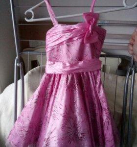 Платье розовое в блёстках