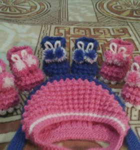 Пинетки,шапочки, шарфики ручной работы