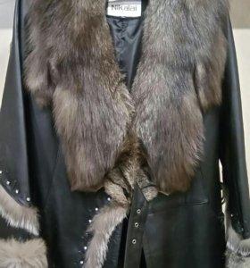 Новая кожаная куртка с чернобуркой.