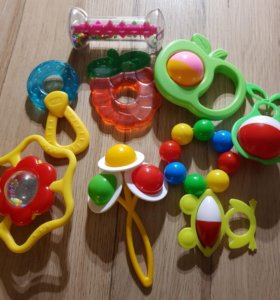 Игрушки погремушки для маленьких