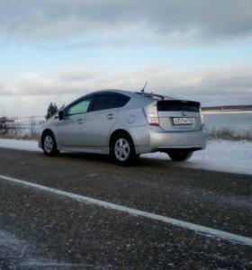 Toyota Prius 2011г.