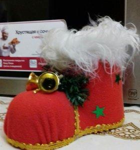 Новогодний подарок сапожок