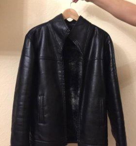 Кожаная куртка Zara утепленная с мехом.