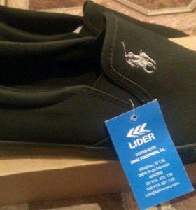 Ботинки стильные, новые, размер 40