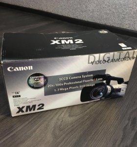 Видеокамера Canon XM2