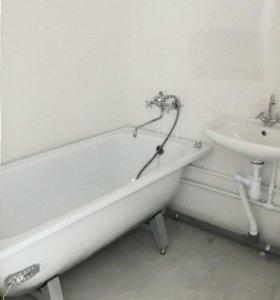 Ванна эмалированная 1700*700 новая( с ножками )