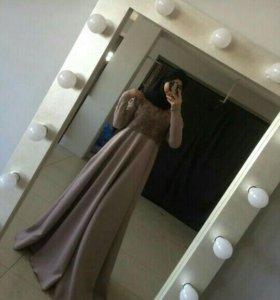 Продаю платье срочно