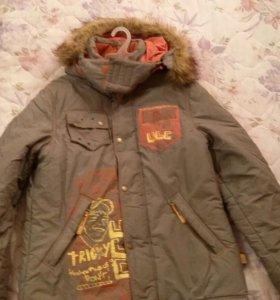 Куртка зимняя для мальчика 152 см 500 рублей