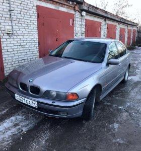 BMW 523i 2000 года, 180 тысяч пробега