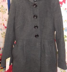 Пальто демисезонное. Женское. Новое.