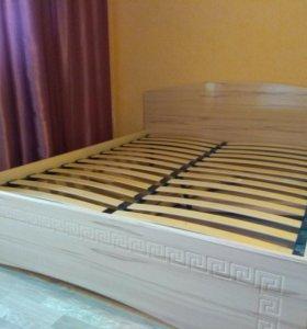 Кровать 2,1х1,7м