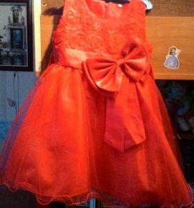 Платье красное р.110