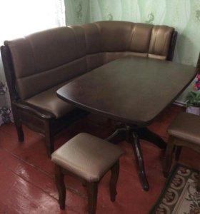 Кухонный диван и стол