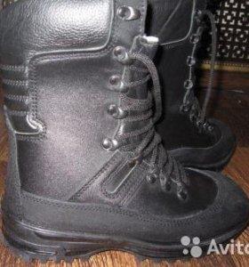 Ботинки с высокими берцами зимние