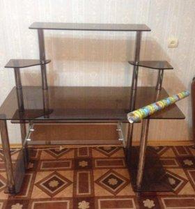 Стеклянный стол ( компьютерный)