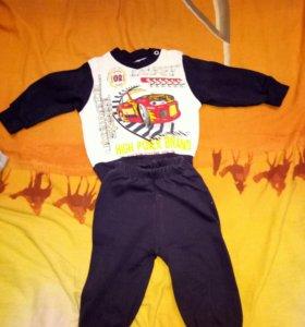 детские костюмы от 3х до 6ти месяцев