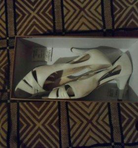 Туфли( женские), новые.
