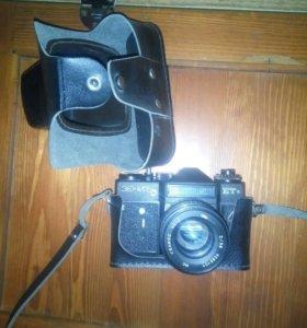 Фотоаппараты Зенит-Е и Зенит-ТТЛ.