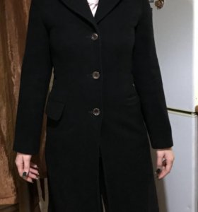 Пальто женское S размера (42)