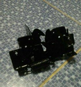 Замок капота Mazda 3 bk седан 03-09 Мазда 3