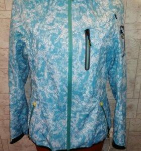 Куртка на весну в дождливую погоду